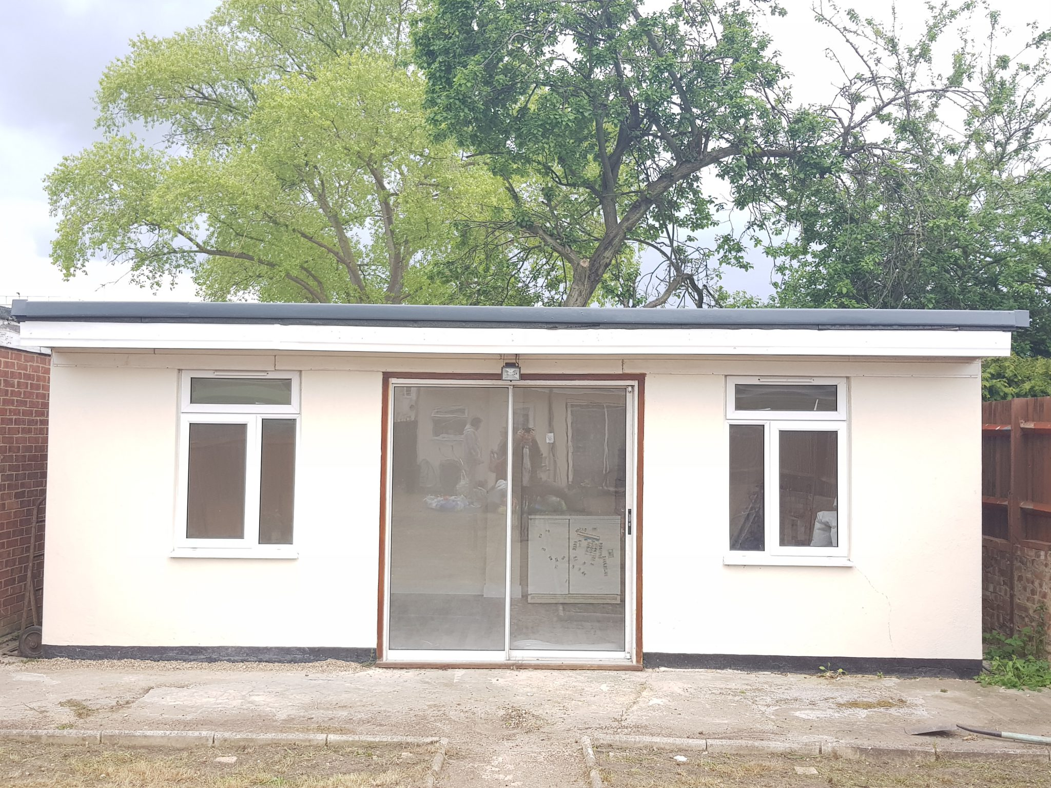 Outhouse to Rent for Storage, Desk Space and Workspace in Hounslow